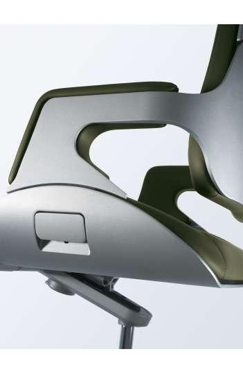 Fauteuil direction ergonomique Moyen dossier Aluminium brossé - SILVER de Interstuhl